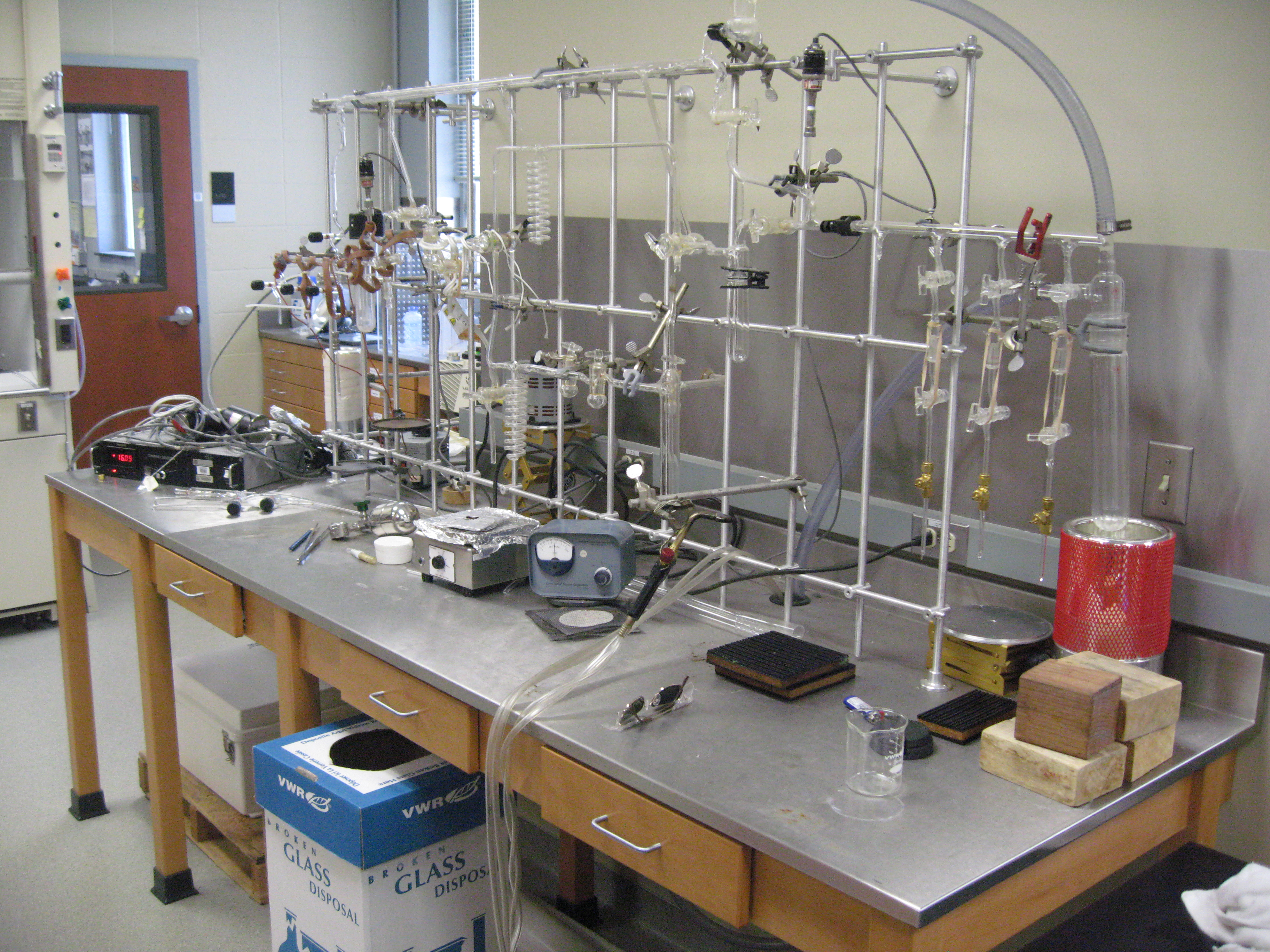 Photos light isotope lab for Soil and plant lab