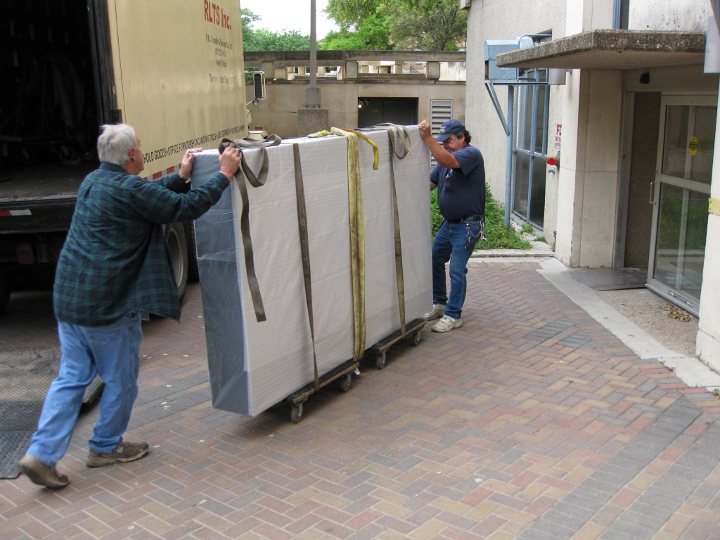 Delivery of the optical tables