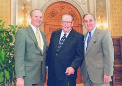 (Left to right) University President Larry Faulkner, Jack and Jackson School Dean William Fisher in 2001.