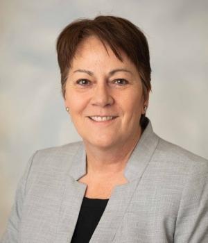 Dr. Claudia Mora